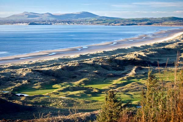 Top 5 Golf Courses in Wales