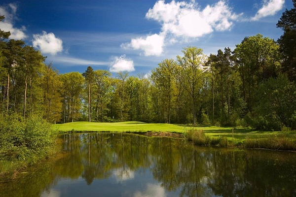 Stunning views, unforgettable holes: Macdonald Linden Hall