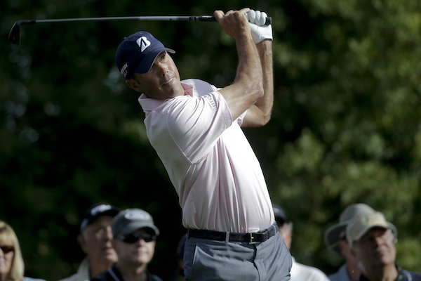 Matt Kuchar leads at halfway in the Humana Challenge