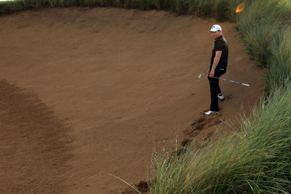 5 easy steps to playing the perfect plugged bunker shot