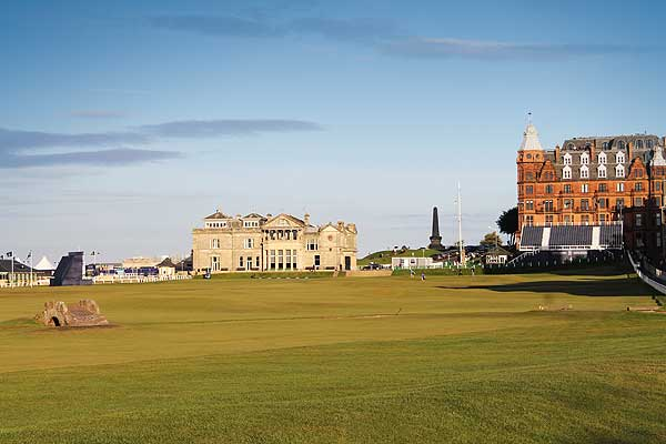 The Ins And Outs of hiring a Caddie at St Andrews and why you should do it